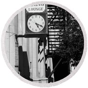Miles City, Montana - Downtown Clock Bw Round Beach Towel