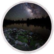 Milky Way Over Pass Lake Round Beach Towel