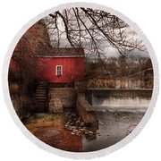 Mill - Clinton Nj - The Mill And Wheel Round Beach Towel
