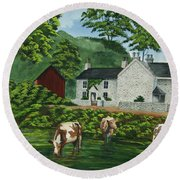 Milldale In Staffordshire Round Beach Towel