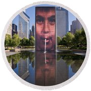 Millennium Park Fountain And Chicago Skyline Round Beach Towel
