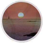 Minots Ledge Light At Sunrise Round Beach Towel
