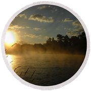 Mississippi River Sunrise Fog Round Beach Towel
