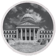 Mississippi State Capitol Bw Round Beach Towel