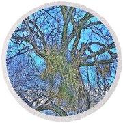 Mistletoe Tree Round Beach Towel