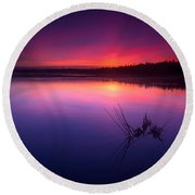 Misty Sunset At Singing Sands Beach Round Beach Towel