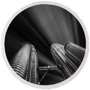 Modern Skyscraper Black And White Picture Round Beach Towel