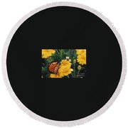 #002 Monarch Bumble Bee Sharing Round Beach Towel