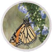 Monarch Butterfly Textured Background Round Beach Towel