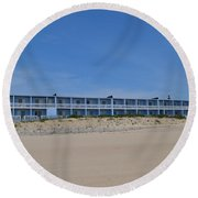 Building At The Beach, Montauk, Ny Round Beach Towel