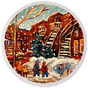 Montreal Street In Winter Round Beach Towel