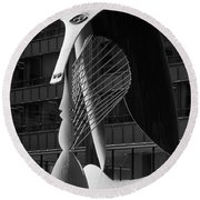 Monumental Sculpture In Front Of A Building, Chicago Picasso, Daley Plaza, Chicago, Illinois, Usa Round Beach Towel by Panoramic Images