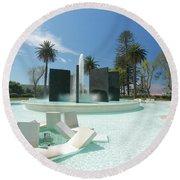Monumento Da Autonomia Round Beach Towel
