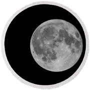 Moon In Night Sky Round Beach Towel