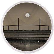 Moonrise Over Skyway Bridge Round Beach Towel