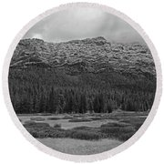 Morning Mountains In Yellowstone Round Beach Towel