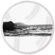Morning Waves - Bw Diffused 04 Round Beach Towel