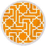 Moroccan Key With Border In Tangerine Round Beach Towel