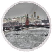 Moscow Winter Look Round Beach Towel