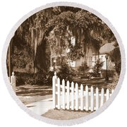 Mossy Live Oak And Picket Fence Round Beach Towel