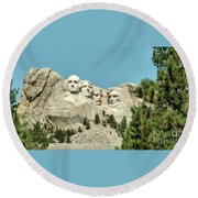 Mount Rushmore Round Beach Towel