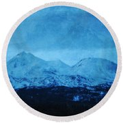 Mount Shasta Twilight Round Beach Towel