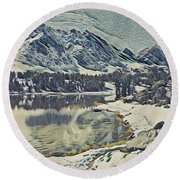 Mountain Lake, California Round Beach Towel