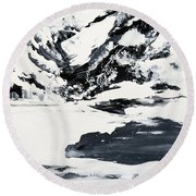 Mountain Lake In Black And White Round Beach Towel