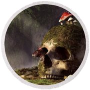 Mouse In A Skull Round Beach Towel