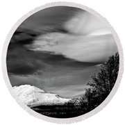 Mt Adams With Lenticular Cloud Round Beach Towel