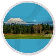 Mt Rainier Moonrise,wa Round Beach Towel
