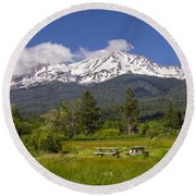 Mt Shasta With Picnic Tables Round Beach Towel