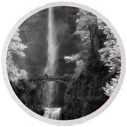 Multnomah Falls Bw Round Beach Towel