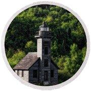 Munising Grand Island Lighthouse Upper Peninsula Michigan Vertical 02 Round Beach Towel