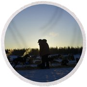 Mushers At Sunrise Round Beach Towel