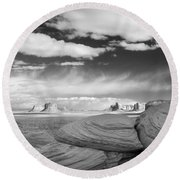 Mystery Valley View 7513 Round Beach Towel