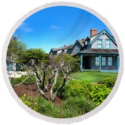 Nantucket Architecture Series 08 Y1 Round Beach Towel