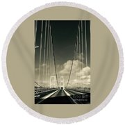 Narrow's Bridge Round Beach Towel