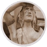 Native American Statue In Toppenish Round Beach Towel