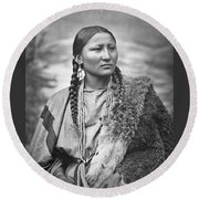 Native American Woman War Chief Pretty Nose Round Beach Towel
