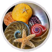 Nautilus With Sea Shells Round Beach Towel