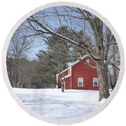 New England Red House Winter Round Beach Towel