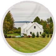 New England Traditional House In The Fall Round Beach Towel