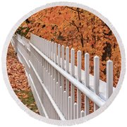 New England White Picket Fence With Fall Foliage Round Beach Towel