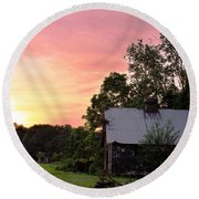 New Jersey Barn Sunset Round Beach Towel