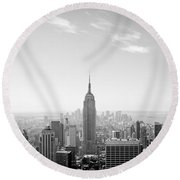New York City - Empire State Building Panorama Black And White Round Beach Towel