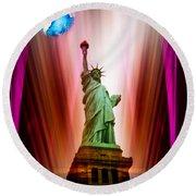 New York Nyc - Statue Of Liberty 2 Round Beach Towel