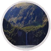 New Zealand Stirling Falls In Hanging Valley Round Beach Towel