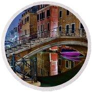 Night Bridge In Venice Round Beach Towel