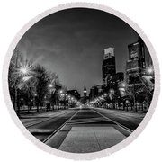 Night Falls On The City - Philadelphia - Black And White Round Beach Towel